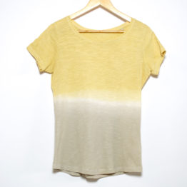 T-Shirt naturally dyed with eucalyptus and pomegranate